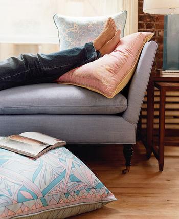 WS.PillowsFeet