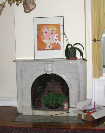 6HouseStairFireplace