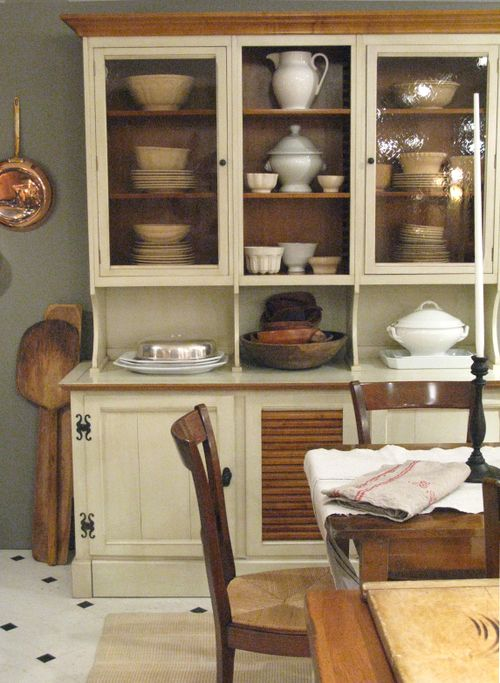 Louisiane China Cabinet