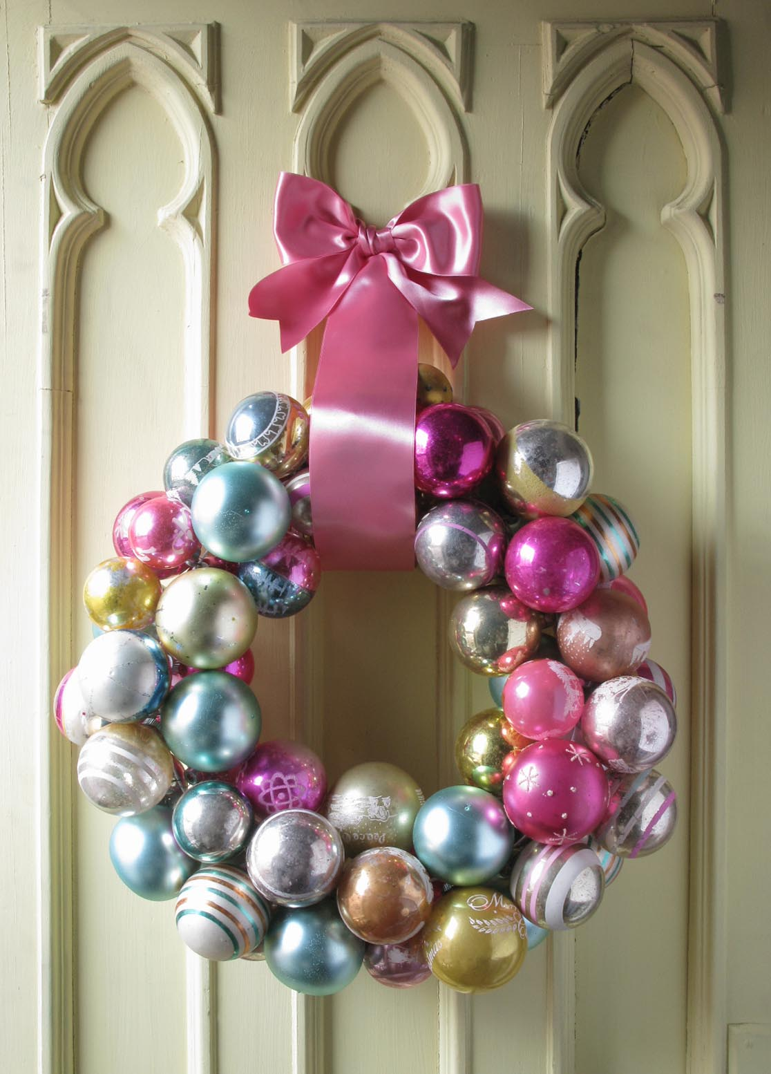 A Reader's Ornament Wreath